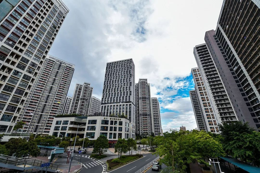 重磅!深圳双十一调整豪宅线,144㎡以下将省豪宅税,省下几十万税费,利好谁?