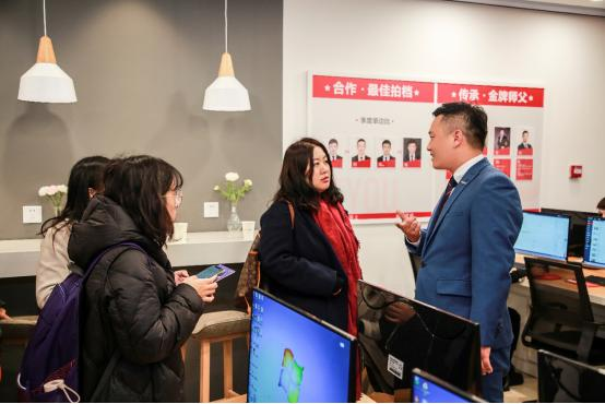 30多位记者南京一线体验:房产经纪人学习日常化,对职业未来期许高