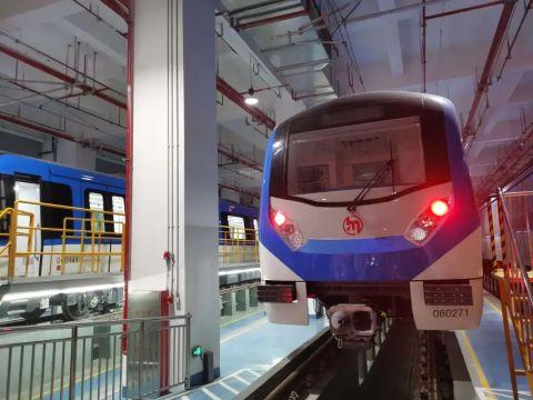 """地铁1号线、6号线、杭富城际铁路完成三线""""热滑"""""""